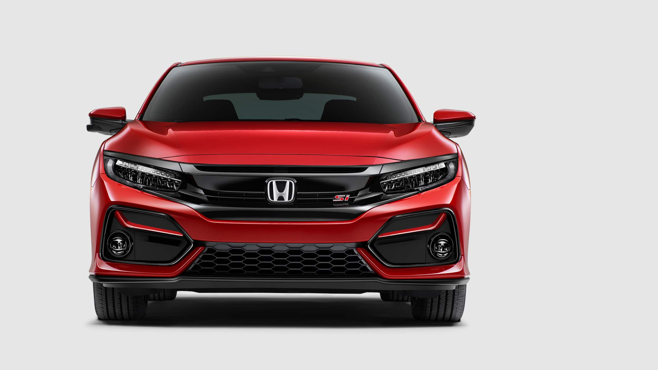 Front grille detail on 2020 Honda Civic Si Coupe in Rallye Red.